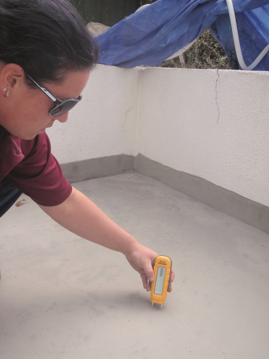 Application of hydrostatic membrane over screed restricts rising damp and salts.