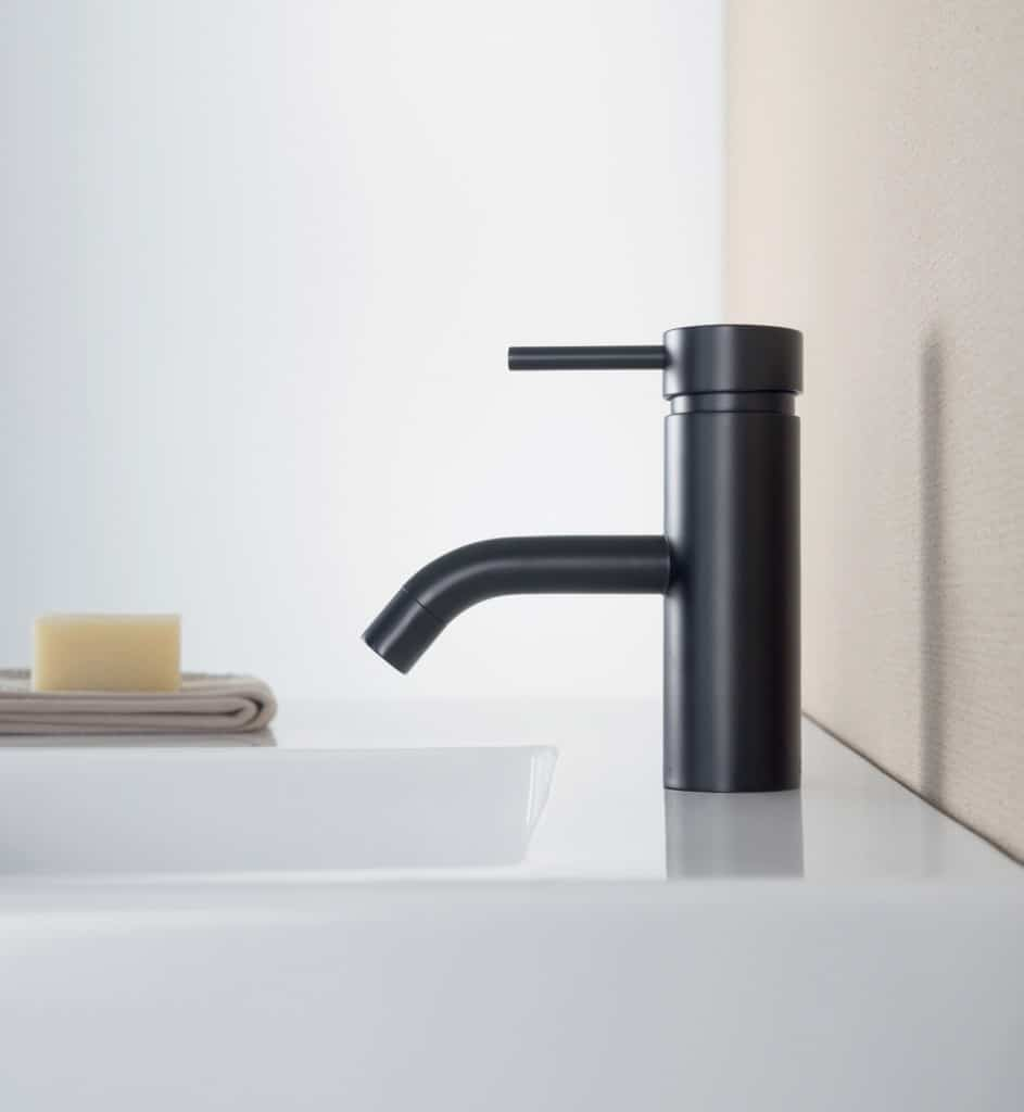Liano Nexus basin mixer